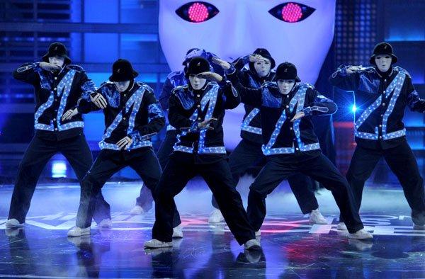 "Jabbawockeez ""Mus I C "": Hip Hop Rocks! – Las Vegas Performing Arts"